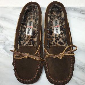 Minnetonka Leather Slip on Slippers